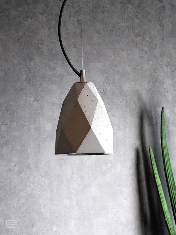 betonowa lampa